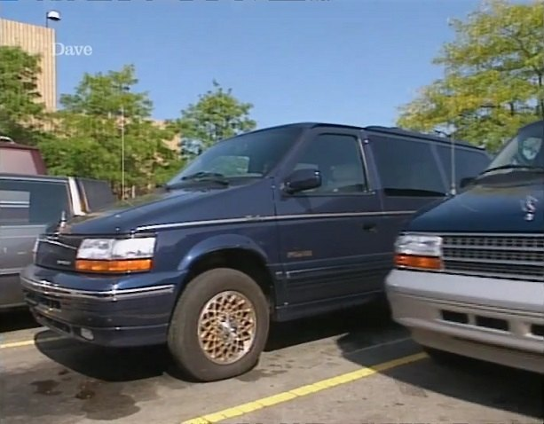 1995 chrysler town country awd in jeremy clarkson 39 s motorworld 1995 1996. Black Bedroom Furniture Sets. Home Design Ideas