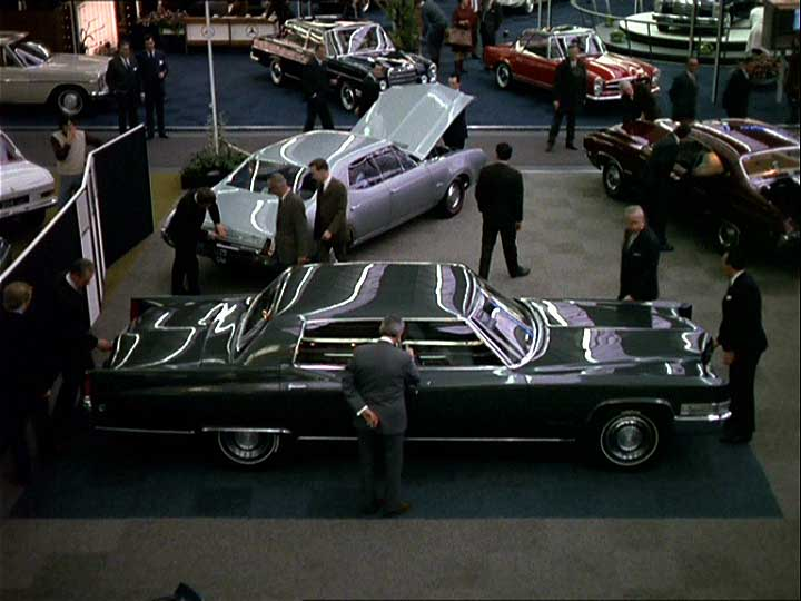 Imcdb Org 1969 Cadillac Fleetwood 60 Special In Quot Trafic