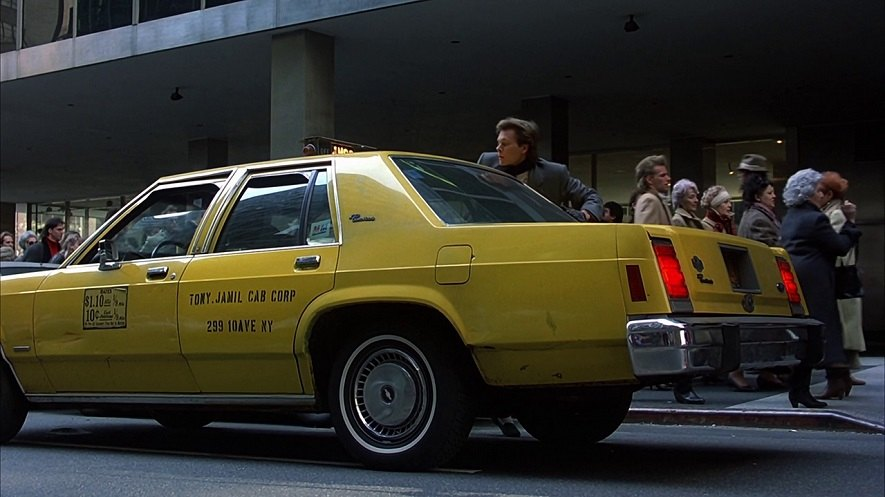 "IMCDb.org: 1983 Ford LTD Crown Victoria in ""Planes, Trains & Automobiles, 1987"""