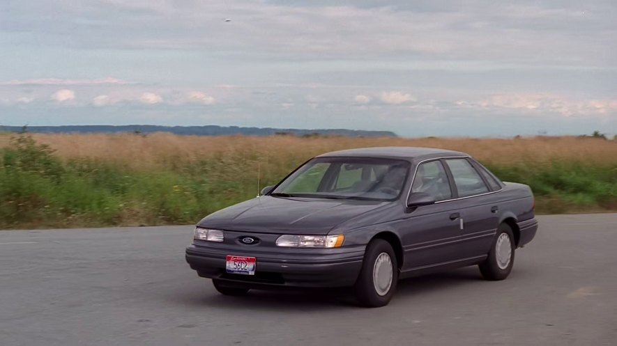 1993 ford taurus gl in the x files 1993 2002. Black Bedroom Furniture Sets. Home Design Ideas