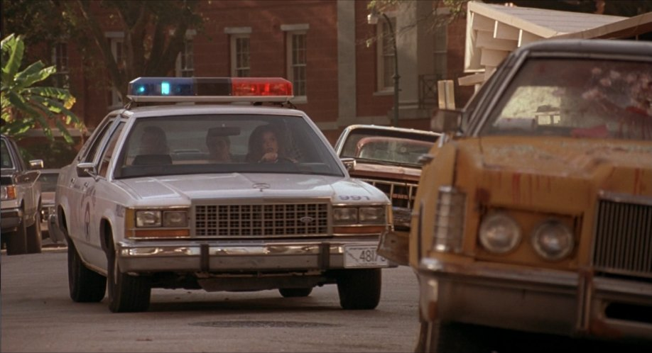 """Ford Used Cars >> IMCDb.org: 1986 Ford LTD Crown Victoria in """"Hard Target, 1993"""""""