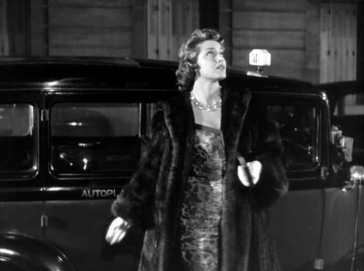 1933 renault taxi g7 type kz11 in le couturier de ces dames 1956. Black Bedroom Furniture Sets. Home Design Ideas