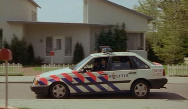 IMCDb.org: 1989 Volvo 440 Turbo in