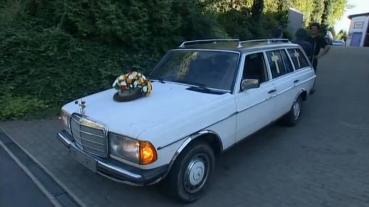 1983 mercedes benz 230 te w123 in die for Used mercedes benz hearse for sale