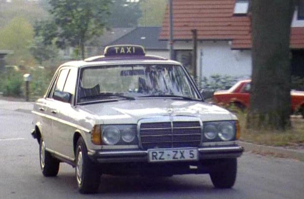 1976 mercedes benz taxi w123 in tatort. Black Bedroom Furniture Sets. Home Design Ideas