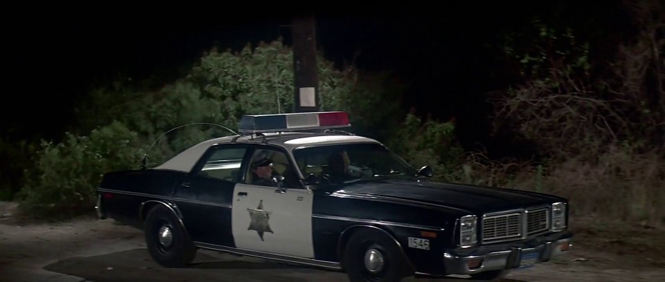 "Police Cars For Sale >> IMCDb.org: 1977 Dodge Monaco in ""The Last Starfighter, 1984"""