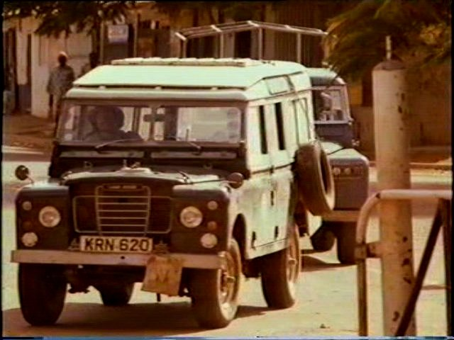 Land-Rover 109'' Series III Station Wagon Safari