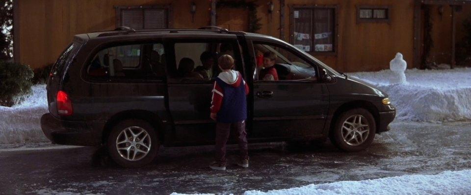 "Five Star Dodge >> IMCDb.org: 1996 Dodge Grand Caravan in ""Jack Frost, 1998"""