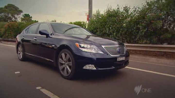 2008 lexus ls 600h l uvf46 in top gear. Black Bedroom Furniture Sets. Home Design Ideas