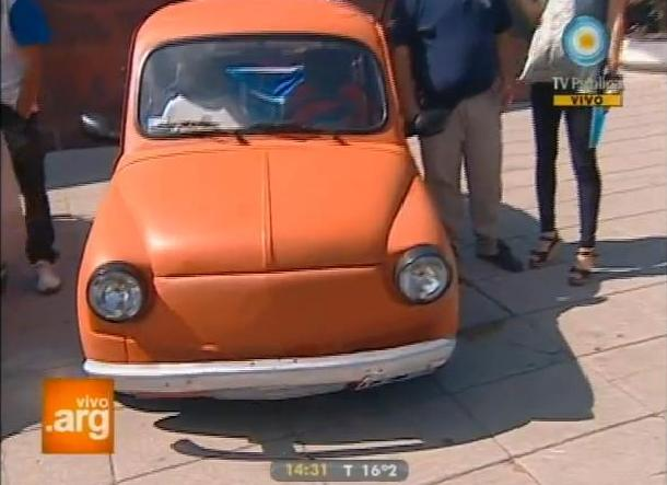 Fiat 600 (Customized) [100]