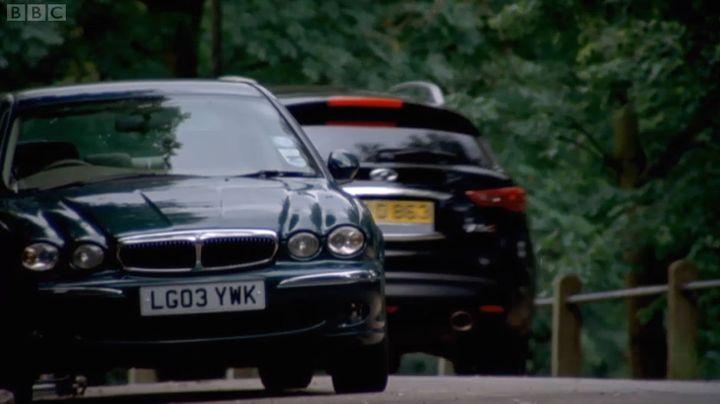 IMCDb.org: 2003 Jaguar X-Type 2.0 V6 [X400] in