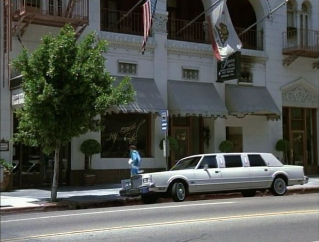 Imcdb Org 1984 Lincoln Town Car Stretched Limousine In