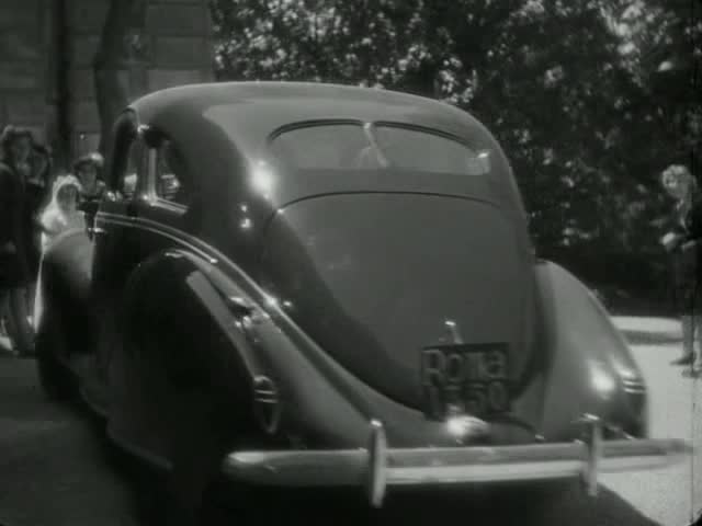 Camion Antro Bar moreover  as well Fordsedanfeature Top besides I furthermore Rear Trunk. on 1939 lincoln sedan