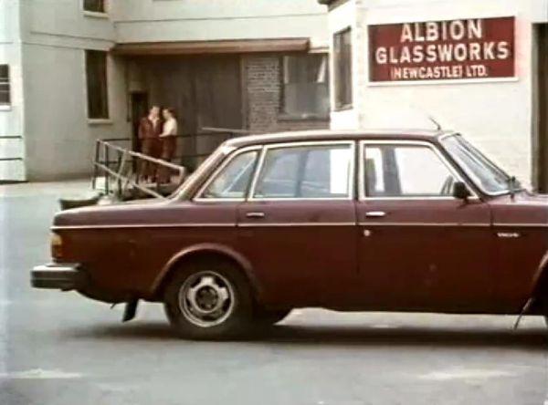 "IMCDb.org: 1980 Volvo 244 in ""Spender, 1991-1993"""