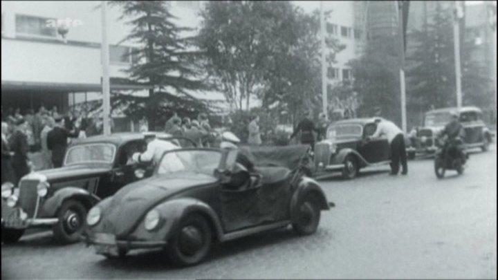 """IMCDb.org: 1947 Volkswagen Hebmüller Polizeistreifenwagen [Typ 18] in """"Konrad Adenauer – Stunden ..."""