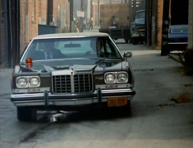 "IMCDb.org: 1974 Pontiac Grand Ville in ""Kojak, 1973-1978"""