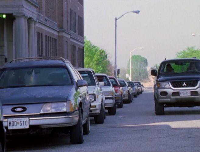 1986 ford taurus wagon in the wire 2002 2008. Black Bedroom Furniture Sets. Home Design Ideas