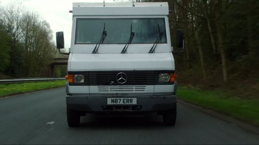 Mercedes-Benz 811 D Armoured Van [T2]