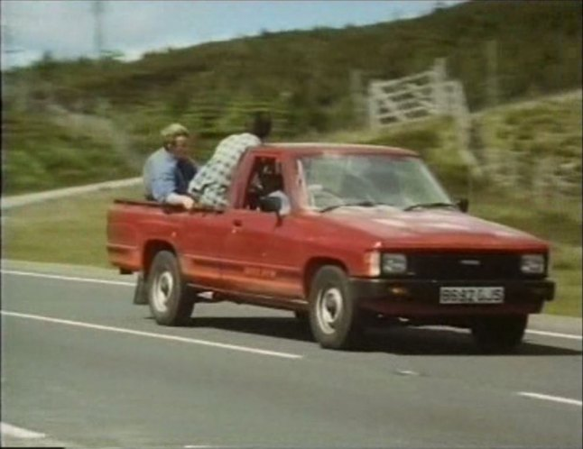 1985 toyota hilux 4x2 n40 in first and last 1989. Black Bedroom Furniture Sets. Home Design Ideas