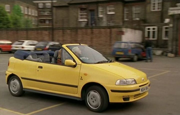 1996 fiat punto cabrio 90 elx in london 39 s burning 1988 2002. Black Bedroom Furniture Sets. Home Design Ideas
