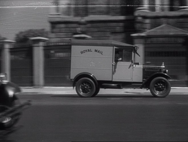 Morris-Commercial 10-12 cwt Van Royal Mail [L-Type]