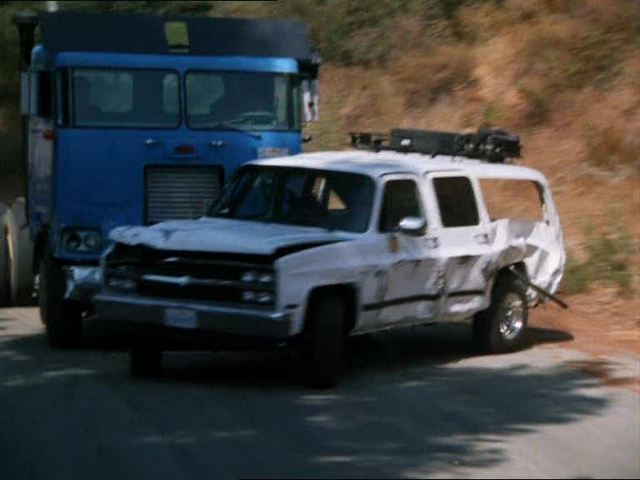 "IMCDb.org: 1989 Chevrolet Suburban in ""Recoil, 1998"""