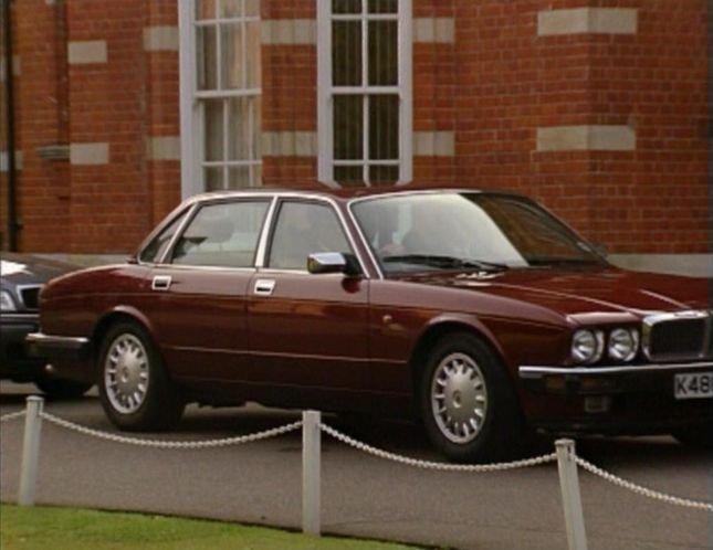 "IMCDb.org: 1993 Jaguar XJ6 XJ40 in ""The Chief, 1990-1995"""
